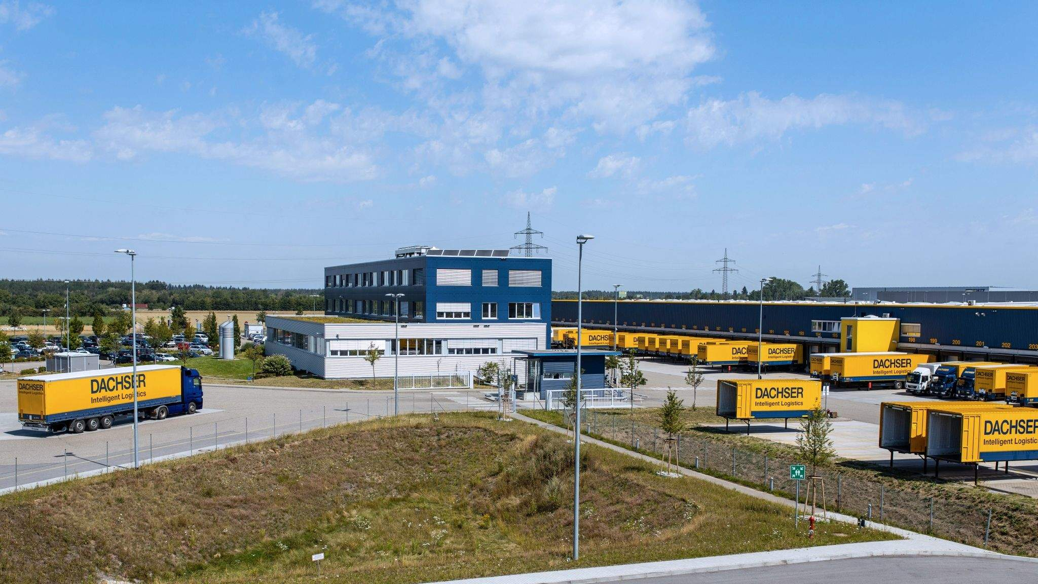 CML's shipment arrives at DACHSER's Logistics Center Karlsruhe